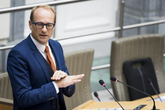 Minister Weyts: 'Algemene kilometerheffing noodzakelijk tegen files'
