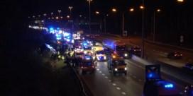 Ernstig ongeval met bus op E313: twee zwaargewonden