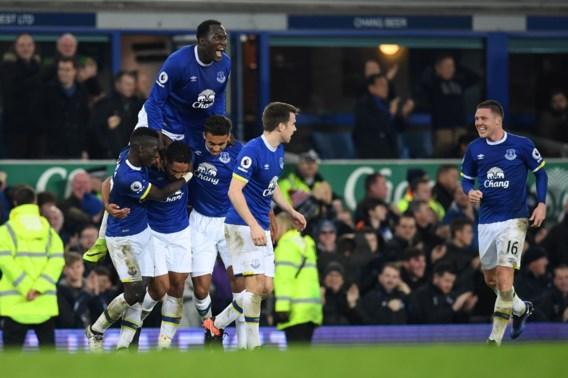 Arsenal lijdt dure nederlaag bij Everton na zinderende slotfase