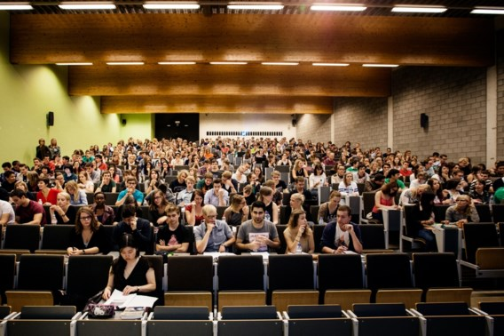 Universiteiten van Gent en Leuven staan voor grondige hervorming: academiejaar start op 1 september