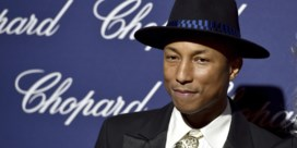 Pharrell Williams 'happy' met handtas van Chanel