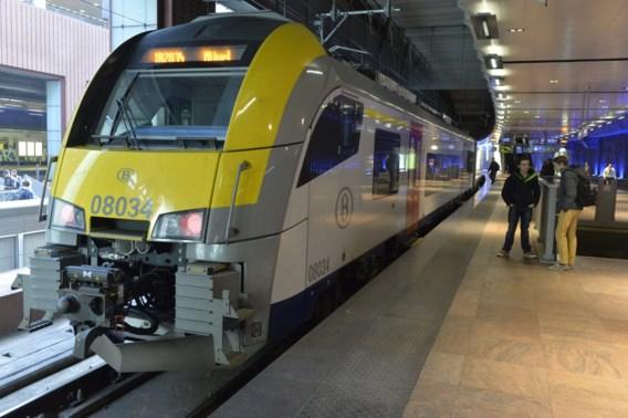 Trein vertrekt zonder machinist en ontspoort in Vorst