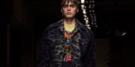 Zoon van bekende rockster maakt debuut op catwalk