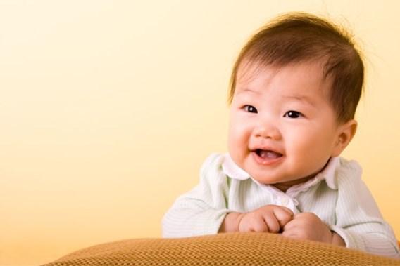 Adoptiekinderen pikken moedertaal weer sneller op
