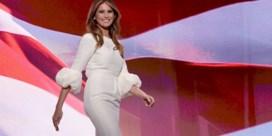 Welke ontwerper kleedt Melania Trump?