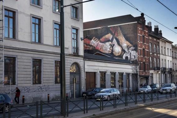 Nieuwe muurschildering in Brussel: 'Gaan we Caravaggio ook verbieden?'