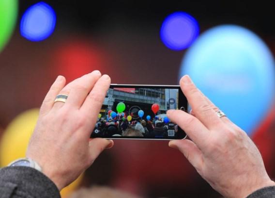 Smartphone voor het eerst populairder dan tv