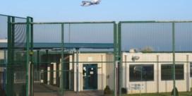 Baas federale politie vraagt spoedoverleg over wantoestanden repatriëringsdienst