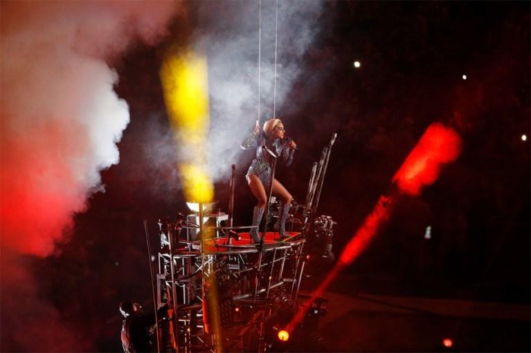 VIDEO. Herbekijk de Super Bowl-show van Lady Gaga