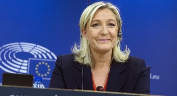 Marine Le Pen klaagt hoogste ambtenaar Europees Parlement aan