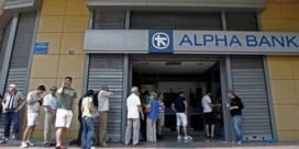 Grieken halen miljarden weg bij hun bank