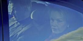 Koning Filip en koningin Mathilde bezoeken koningin Paola