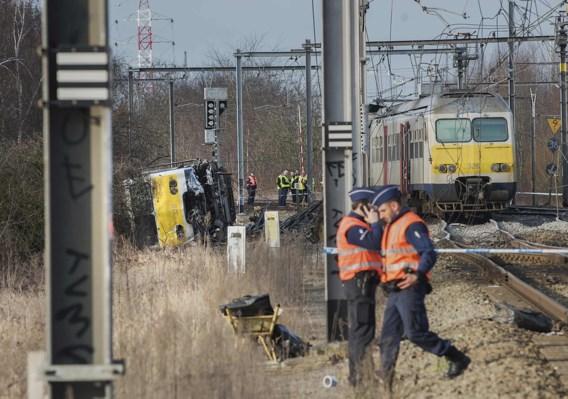 Eén dode en verschillende gewonden bij ontsporing trein nabij Leuven