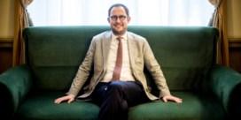 Van Quickenborne wil grote kuis in parlement en gemeenteraad