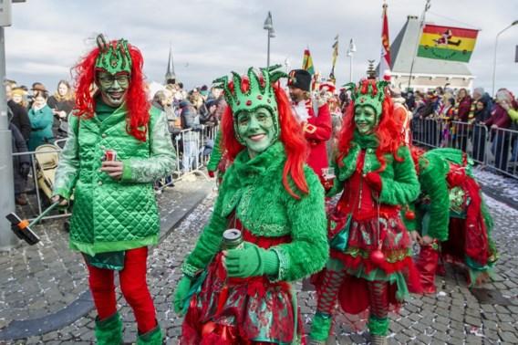 Nederlandse carnavalsvierders delen per ongeluk cannabislolly's uit