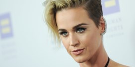 Katy Perry verklapt dat ze meer deed dan ze in 'I Kissed A Girl' toegeeft