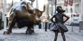 Terreur en boter op het hoofd van onverschrokken meisjes in Wall Street