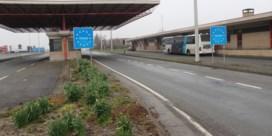 Poperinge sluit grensparking na opstoot migranten