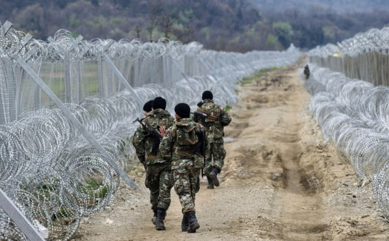 Politie blijft migranten mishandelen langs Balkanroute