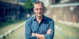 Tom Waes gaat in vluchtelingenkamp leven