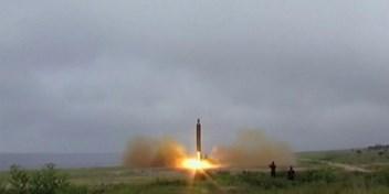 Kim Jong-un danst op de rode lijn
