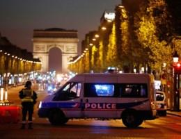 Politieman doodgeschoten in Parijs, IS eist verantwoordelijkheid op
