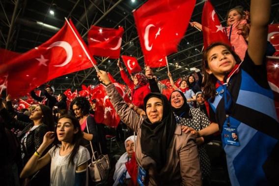 Turken keren België rug toe