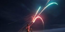 Beluister On Fire, de openingstrack van het debuutalbum van J. Bernardt