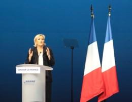 Le Pen noemt plagiaat toespraak Fillon 'knipoog' naar zijn aanhangers