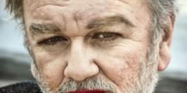 Zo vrouwelijk zag u Wim Opbrouck nog nooit
