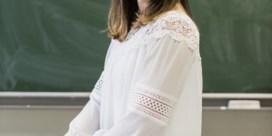 Meer leerkrachten met kleurtje moeten aula's minder wit maken