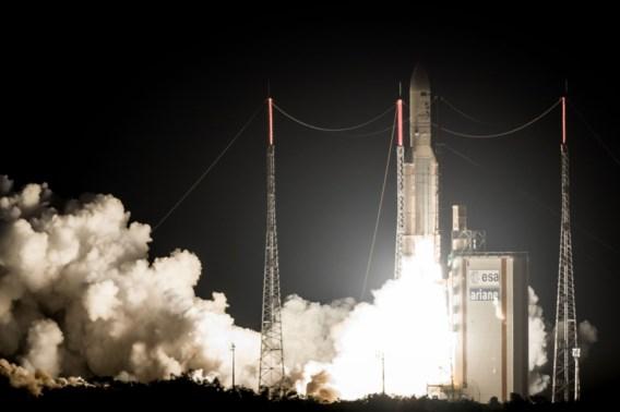 Ariane-5-draagraket brengt met 45 dagen vertraging satellieten in baan rond aarde