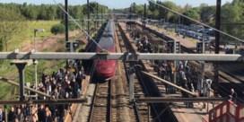 Thalys-trein geblokkeerd vlak bij Mechelen, reizigers na uur geëvacueerd