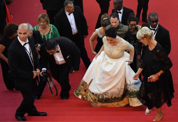 Israëlische minister draagt controversiële jurk in Cannes
