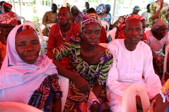 Schoolmeisjes na vrijlating door Boko Haram met families herenigd