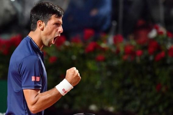 Djokovic heeft geen moeite met Thiem en stoot door naar finale