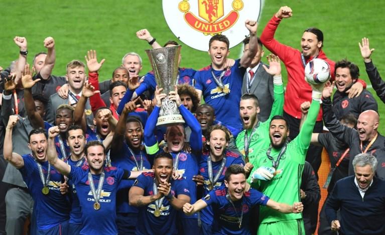 Fellaini en Man United troosten Manchester met eerste eindzege in Europa League