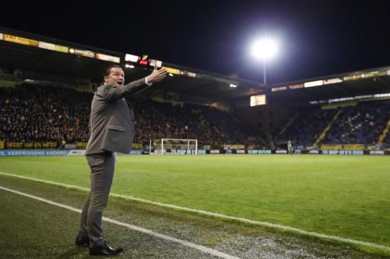Trainer Stijn Vreven staat met NAC bijna in Eredivisie na goal van Cyriel Dessers