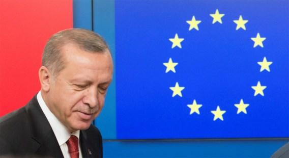 Macron legt lot van in Turkije opgesloten fotograaf op tafel bij Erdogan