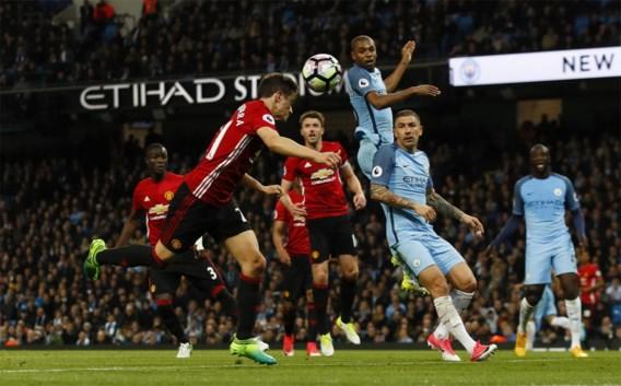 Voetbalclubs Manchester schenken 1 miljoen pond aan slachtoffers