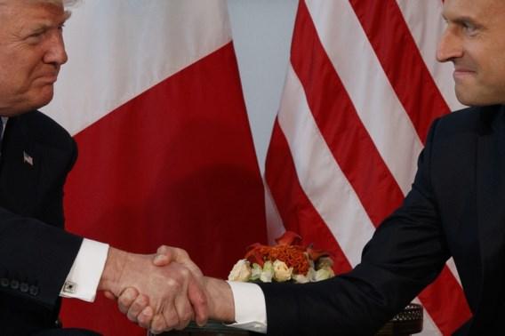 Hoe geef je mekaar een hand (en waarom doet Trump het anders)?