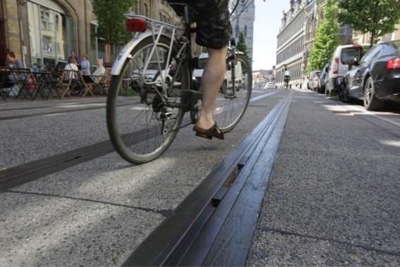 Gentse tests om tramsporen veiliger te maken voor fietsers lopen moeizaam