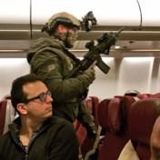 Passagiers overmeesteren man die cockpit probeert binnen te dringen