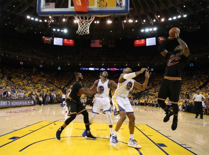 Curry en Durant loodsen Golden State naar tweede zege tegen Cleveland in NBA-finale