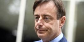 De Wever wil daders politiegeweld het land uitzetten