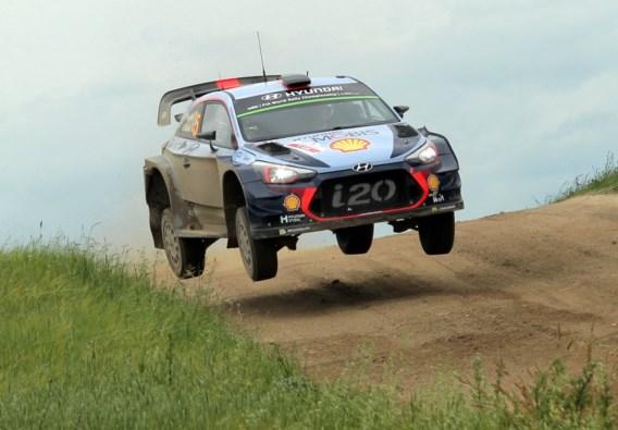 Neuville comfortabel aan de leiding na crash Tanak in Rally van Polen