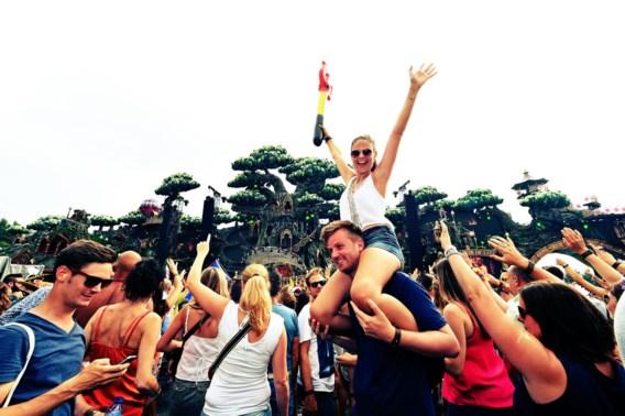 Tomorrowland screent bezoekers  al zes jaar