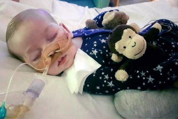Amerikaanse dokter mag baby Charlie evalueren