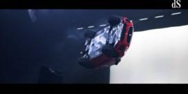 Nieuwe Jaguar zet record neer met deze James Bond-stunt