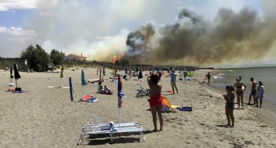 Tien gewonden na doortocht van tornado op strand nabij Rome